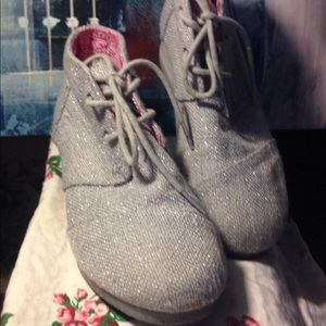 Girls silver sparkle Toms boots size 3.5 m